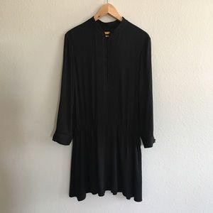 Alice + Olivia   Long Sleeve Black Midi Dress